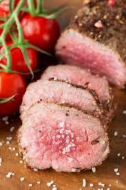 cuisiner un roti de boeuf au four rôti de boeuf au four basse temperature recette aftouch cuisine