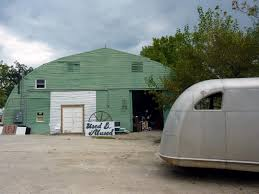 architecture tourist we want to live in a green quonset hut with