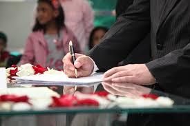wedding signing wedding signature groom signing free photo on pixabay