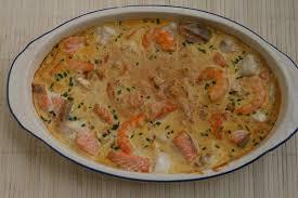 cuisiner poisson surgelé p méli mélo de poissons en sauce safranée un p tour dans