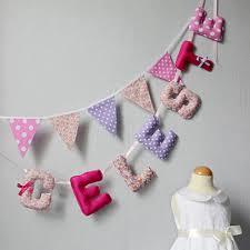 lettres pour chambre bébé banderole de lettres guirlande prénom fille bannière nom déco