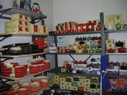 le creuset factory to table 19 best pie pans images on pinterest dish dishes and pie plate