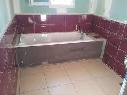 salle de bain aubergine et gris indogate com decoration cuisine marbre