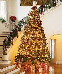 christmas tree house 3 now all i need is the foyer oh and the stairway and c est