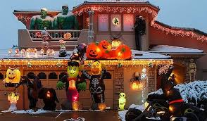 Halloween Decorations For Sale World U0027s Craziest Halloween And Xmas Display Can Be Yours U2014 And