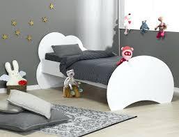 chambre enfant 3 ans lit enfant de 3 ans lit enfant 3ans sommier matelas chambre avec
