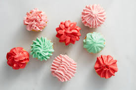 cupcake decorating tips cake decorating tips tip 402 used 8 different ways