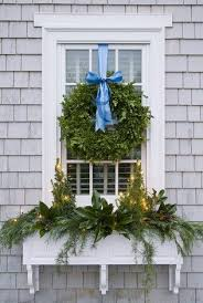 Window Box Decorations For Christmas by Best 25 Christmas Window Boxes Ideas On Pinterest Winter Window