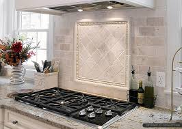 Tile For Kitchen Countertops by Best 10 Travertine Backsplash Ideas On Pinterest Beige Kitchen