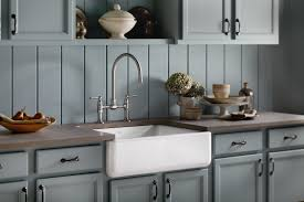Cast Iron Farmhouse Kitchen Sinks by Best Farmhouse Sinks How To Choose An Apron Front Sink That Will