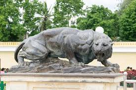 lion statue lion statue at the entrance picture of mysore maharajah s palace