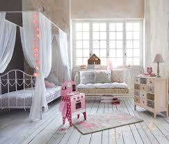 decoration chambre bebe fille originale décoration chambre fille lit baldaquin 38 calais 07382148 petit