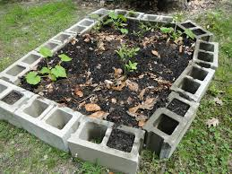 Raised Bed Vegetable Garden Design by Concrete Block Raised Bed Vegetable Garden Gardening Ideas