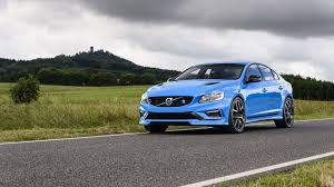 2013 volvo big rig watch a volvo big rig take on a polestar race car 95 octane