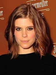 haircuts shorter in the front 12 beauty lessons we ve learned from celebrity sisters long