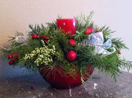 Christmas Berry Table Decoration by Homemade Holiday Make Your Own Christmas Centerpiece
