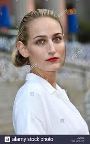 new york april 17 actress leelee sobieski attend the vanity