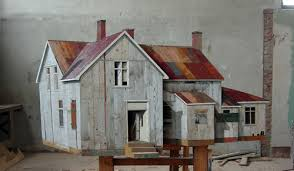 scrap wood sculpture der ende booooooom create inspire community