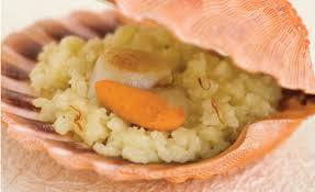 cuisiner les coquilles st jacques recette enfant risotto au safran et coquille jacques