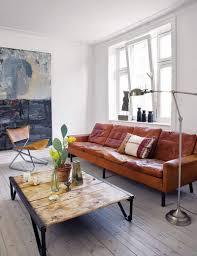 canap cuir cognac comment nettoyer un canapé en cuir conseils et photos
