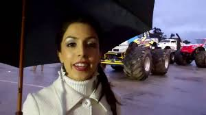 monster truck show at dodger stadium roxy darr the anthem monster jam dodgers stadium youtube