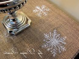 make christmas table runner diy design fanatic super easy diy christmas stenciled table runner