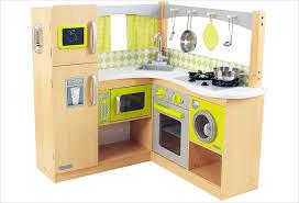 cuisine enfant cuisine d angle en bois jouet cuisine kidkraft bois naturel et jaune
