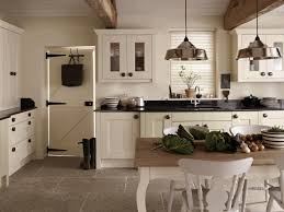 How To Decorate Kitchen How To Decorate A Country Kitchen Dark Cherry Wooden Counter