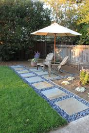 Pea Gravel Concrete Patio by Best 25 Patio Edging Ideas Only On Pinterest Front Yard Ideas