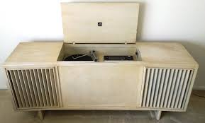 Rca Victrola Record Player Cabinet 1960s Vintage Rca Victrola Am Fm Stereo And Turntable Console For