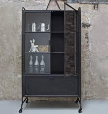 Schlafzimmer H Sta Ausstellungsst K Für Industrial Liebhaber Metall Vitrine