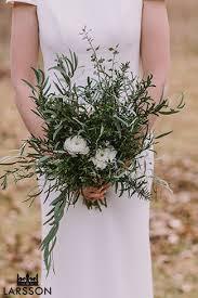 Wedding Flowers Queenstown Moke Lake Wedding With Heli Wedding Photos In The Snow