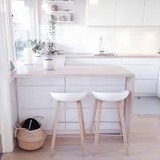 chaise de bar cuisine tabouret de bar blanc bois cuisine en image