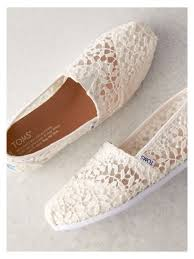 wedding shoes toms toms lace wedding shoes the wedding collection toms
