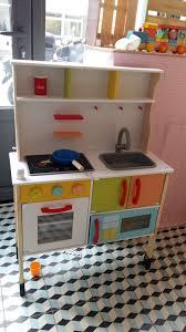 cuisine bois jouet les jouets en bois débarquent chez lidl dans la peau d une fille