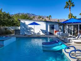 Vacation Homes In Virginia Beach With A Pool 1 Or 2 Bedroom Vacation Rentals In Palm Springs Ca Condos U0026 Homes