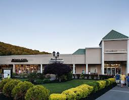 Home Design Outlet Center New Jersey About The Crossings Premium Outlets A Shopping Center In