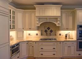 kitchen backsplash ideas with cream cabinets kitchen backsplash cream cabinets