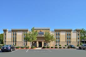 Comfort Inn And Suits Comfort Inn And Suites East Hartford Ct Booking Com