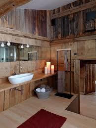 badezimmer mit holz rustikale badezimmer holz waschbecken kerzen deko drinnen