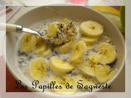 cuisiner au micro ondes recette de porridge banane sucré vanillé au micro onde les