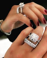 men hand rings images The difference between men 39 s and women 39 s ring azzi jewelers jpg
