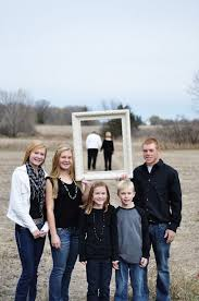 pictures ideas 20 fun and creative family photo ideas hative
