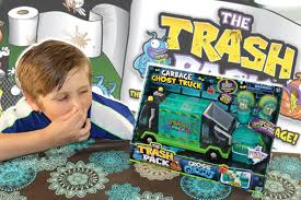 trash pack garbage ghost truck opening trash pack mystery