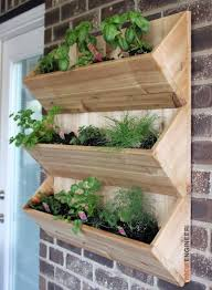 Wall Mounted Planters by Cedar Wall Planter Free Diy Plans Rogue Engineer