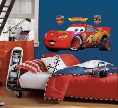 chambre mcqueen decoration chambre cars stickers planche stickers x cm dtour dco