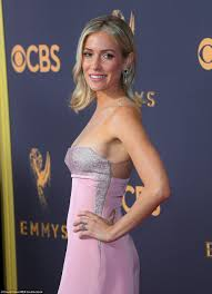 queens of the small screen rule the red carpet at the 69th emmy u0027s