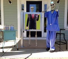 Plastic Halloween Skeletons Baxter Skeletons U0027 Rule Halloween South Carolina U0027s Creative