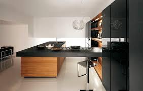 black lacquer kitchen cabinets raffinata e metropolitana yara in laccato lucido nero e teak