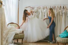 essayage robe de mari e 8 choses à savoir avant d essayer sa robe de mariée mariage